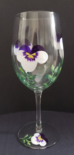 Pansy wine glass