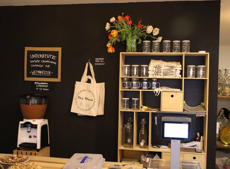 """AURO-Produkte beim Händler """"Chez Mamie"""""""