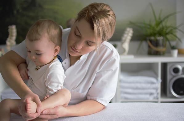 Consultation  Ostéopathe bébé.png