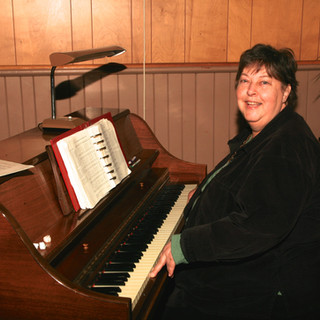 Atherley Pianist, Adrienne