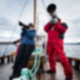 Deltagere får prøve de lange objektivene fra Interfoto på ørnejakt på Classic Norway, Thomas Eckhoff fotoworkshop på Håholmen havstuer. Foto: Thomas Eckhoff
