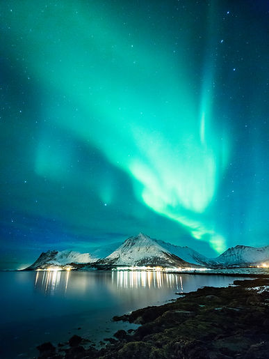 Enjoy the Northern lights travelling to Lofoten with Hurtigruten