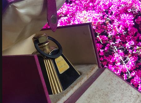 Cadolle • Depuis 1889• Parfums-Dessous féminins de luxe pour pti'tes et grandes dames