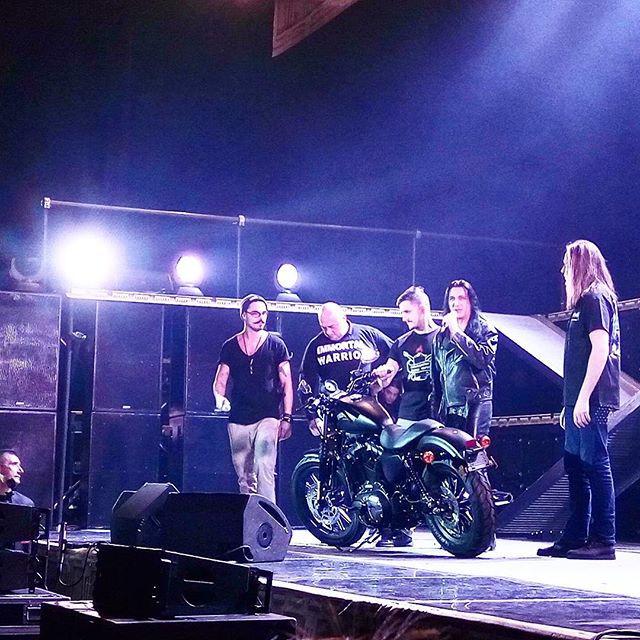 Концерт группы Manowar
