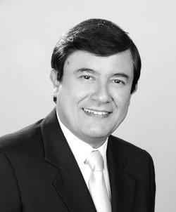 Dr. Miguel Saravia - Perú