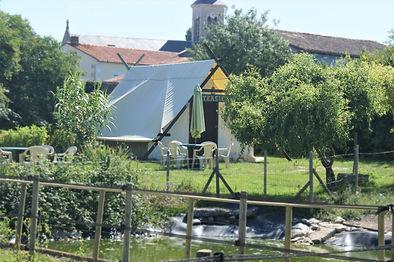 Lodge et Hébergements insolites dans le Marais Poitevin chez Du coq à l'âne