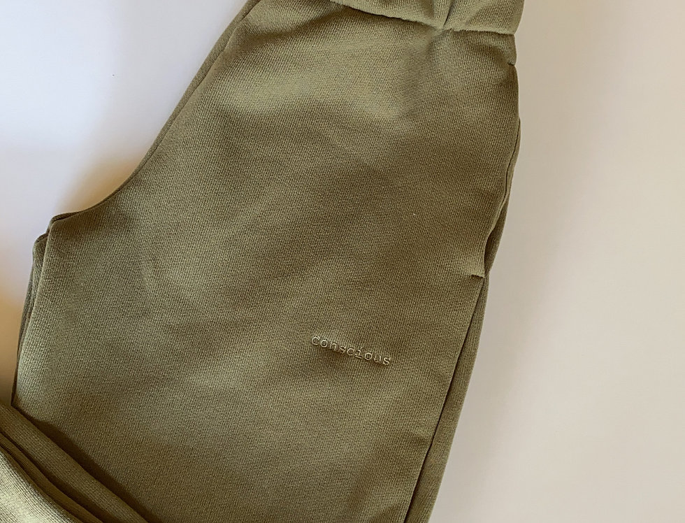 ORGANIC COTTON TRACKPANTS IN GREEN