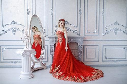 №24 Красное платье с золотой вышивкой