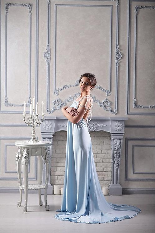№7 Платье голубое с бусинами