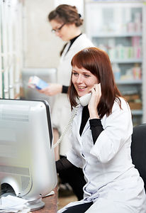 pharmacist chemist women consulting on p