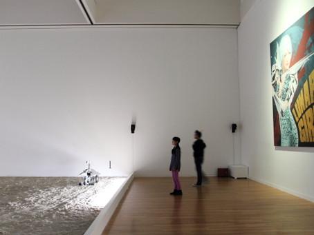 スプツニ子!氏「ムーンウォーク☆マシン、セレナの一歩」東京都現代美術館展示風景