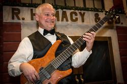 Ernie Ealum, Bass