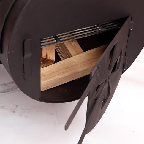 Die Sidefirebox mit Lüftungsregelung. Alle Bedienelemente sind von vorne zugänglich