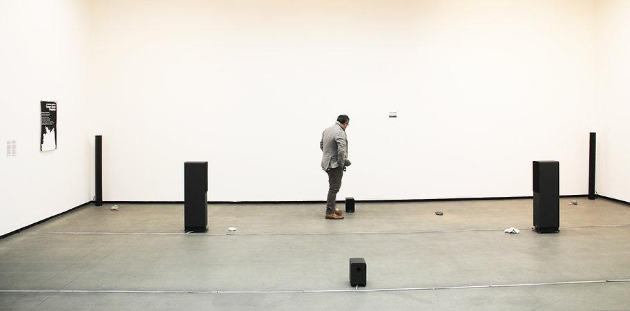 vista da exposição tomie1.jpg