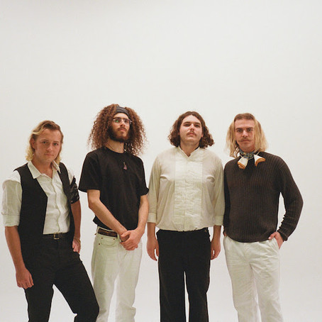 CARPOOL TUNNEL Share new single 'DREAMING STILL'