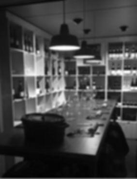 restaurant cave a vin avec table lyon nord comptoir de massieux