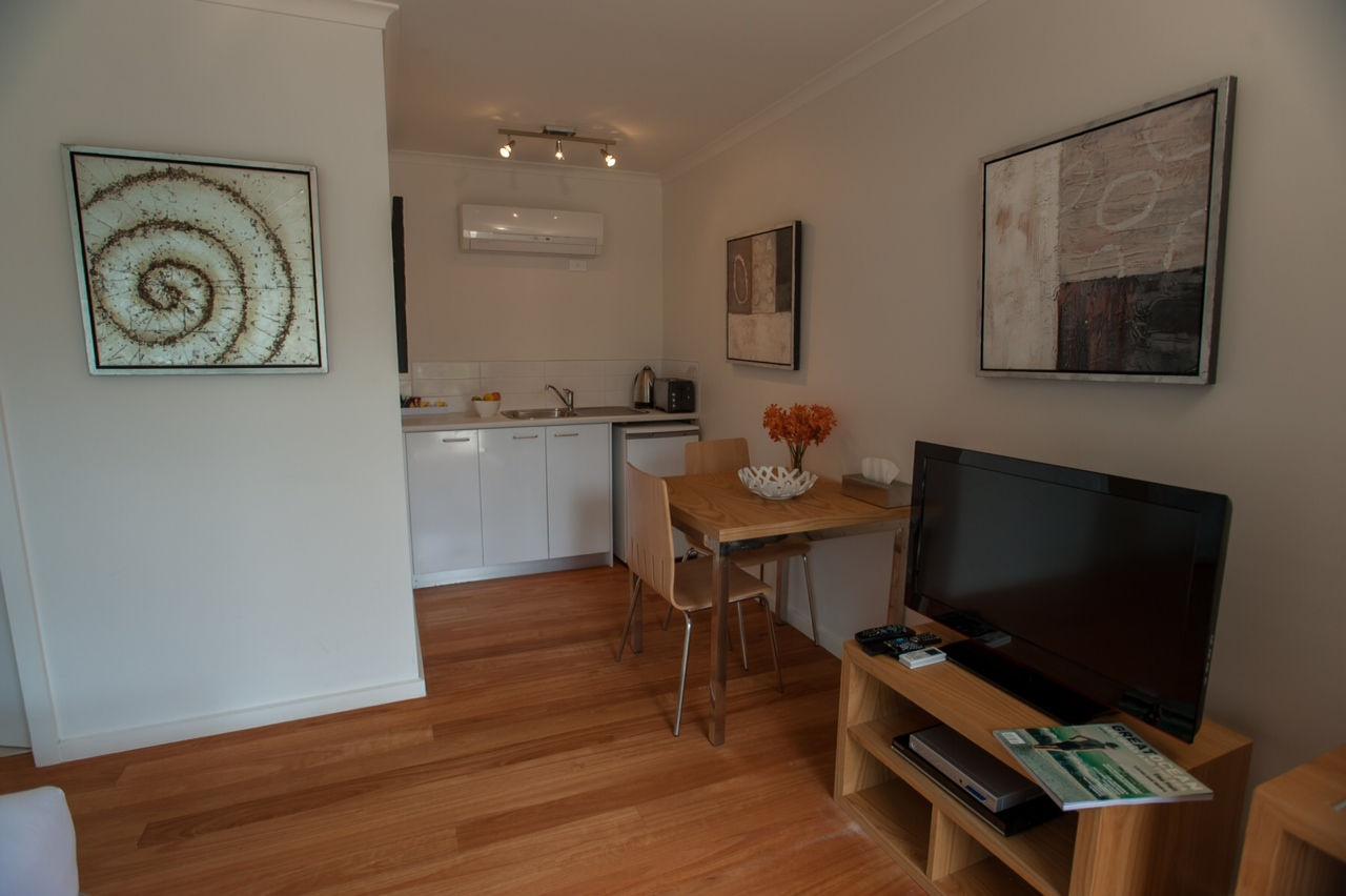 Studio suite living