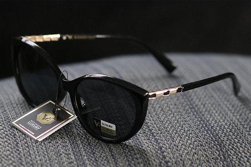 Stylish Giselle black sunglasses NWT