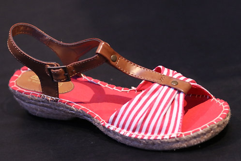 Cute Cliff sandals NWT size 10