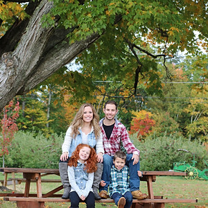 Apple Picking Family Photo Shoot