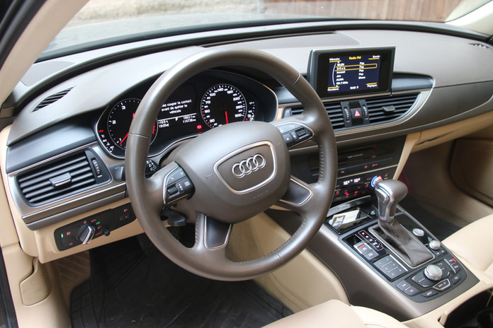 Audi A6 6 (2).JPG