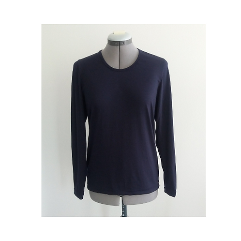 Scoop Neck with long sleeves