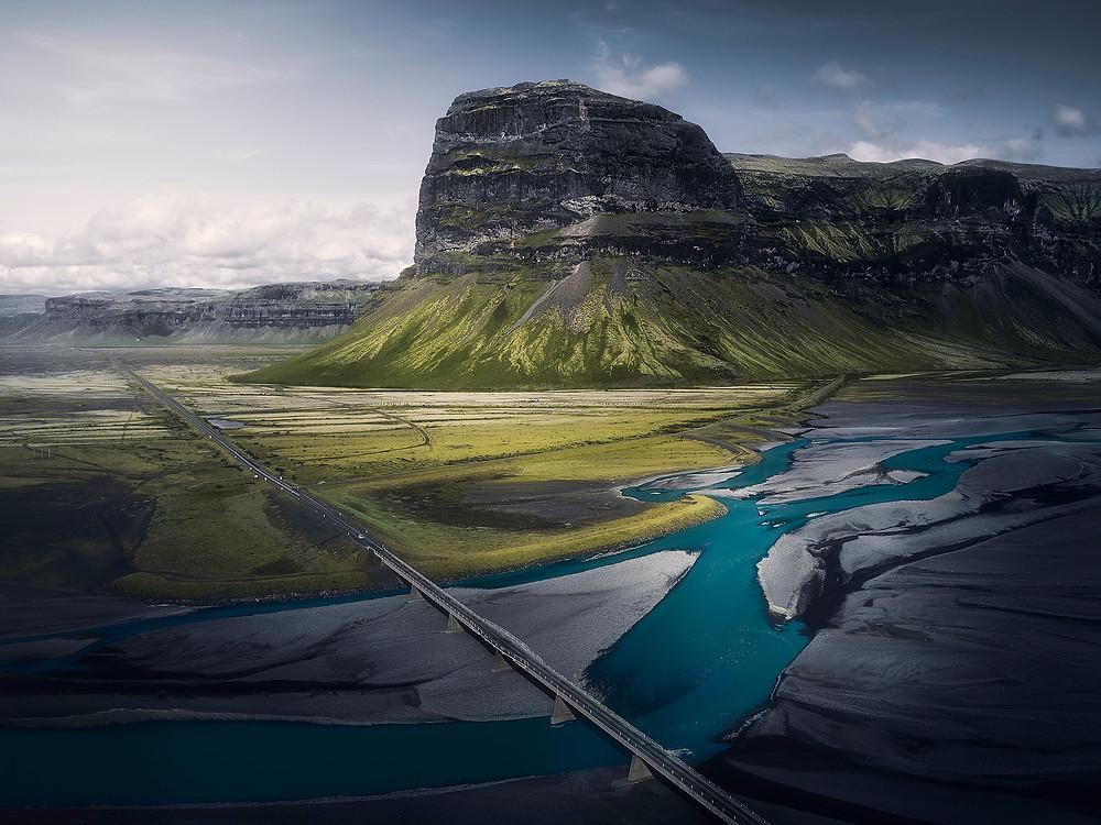 Lómagnúpur er sammen med Kirkjuefell, et av de meste fotograferte fjellene på Island.
