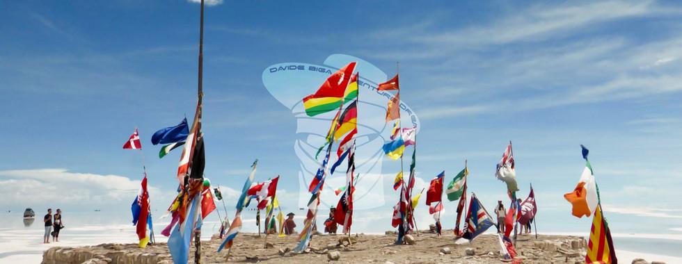 Monumento a las Banderas, Salar de Uyuni