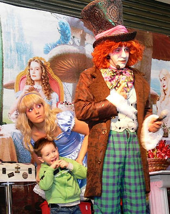 magia, spettacolo, lerry potter, palloncini, festa per bambini, illusioni e cabaret, cappellaio matto, magic show, alice in wonderland