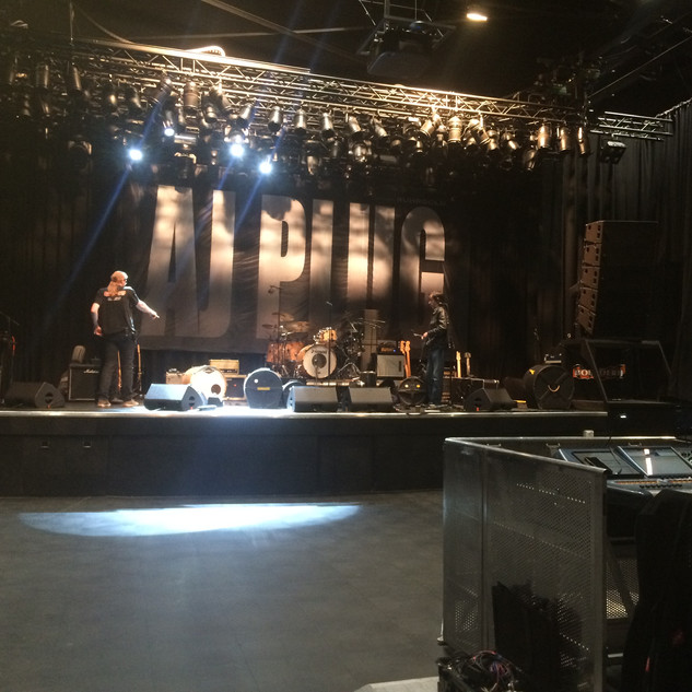 HOLLAND - SOUND CHECK