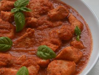 Poulet sauce poivrons et basilic