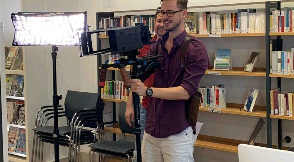 Cameraman 1.jpg
