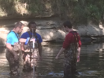 Open Channel Hydraulics Students install streamflow equipment near Cookeville, TN