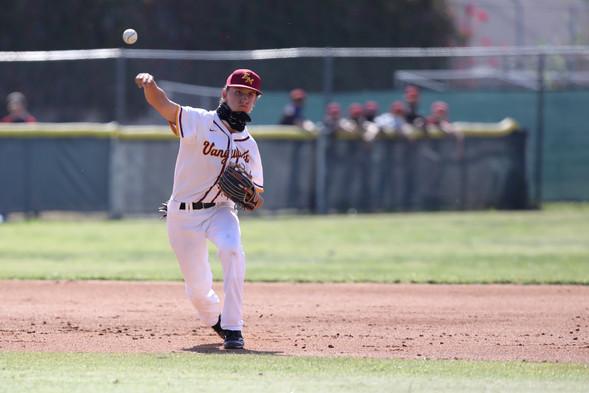 010-el-mo-varsity-baseball-04-09-21.jpg