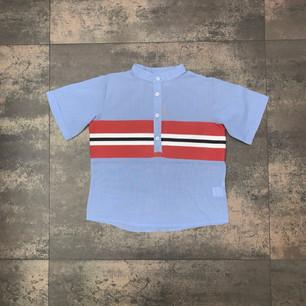 """Camicia bimbo """"Otto"""" con collo alla coreana in cotone con inserto a righe."""