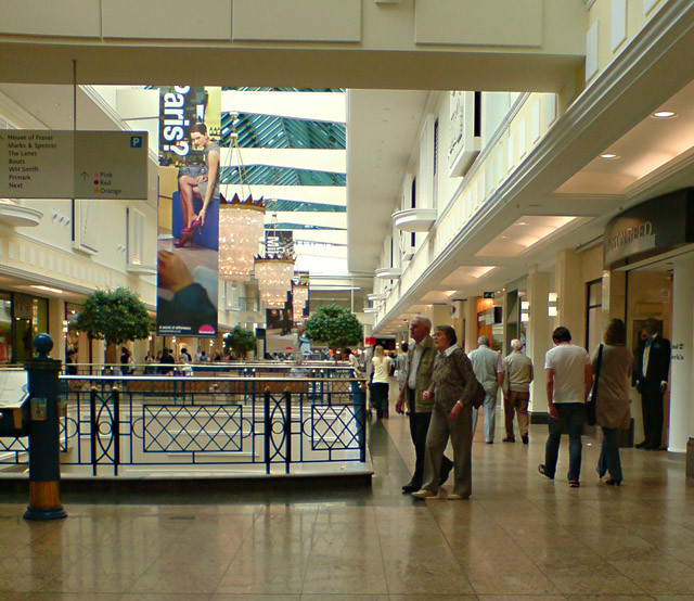 Meadowhall Shopping Centre Photo Paul Harrop under a Creative Commons License