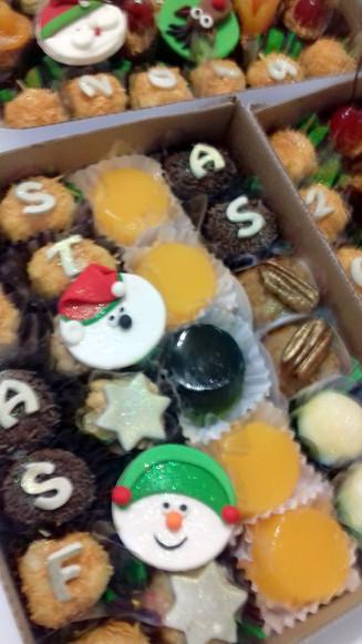 Promoção: caixas com 24 doces - R$ 20,00