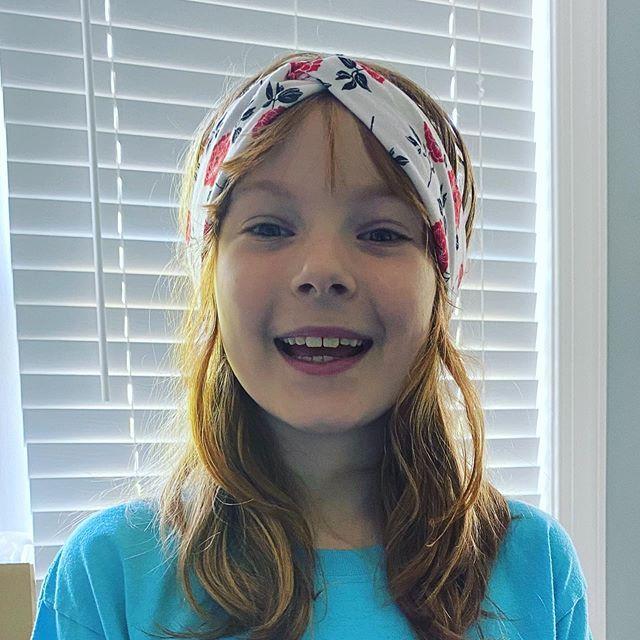 Someone loves her new #headband 😘 #hand