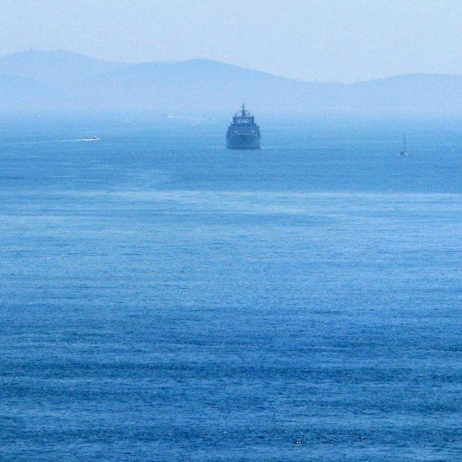 Nave sul Bosforo Foto ©CECILIA MARTINO