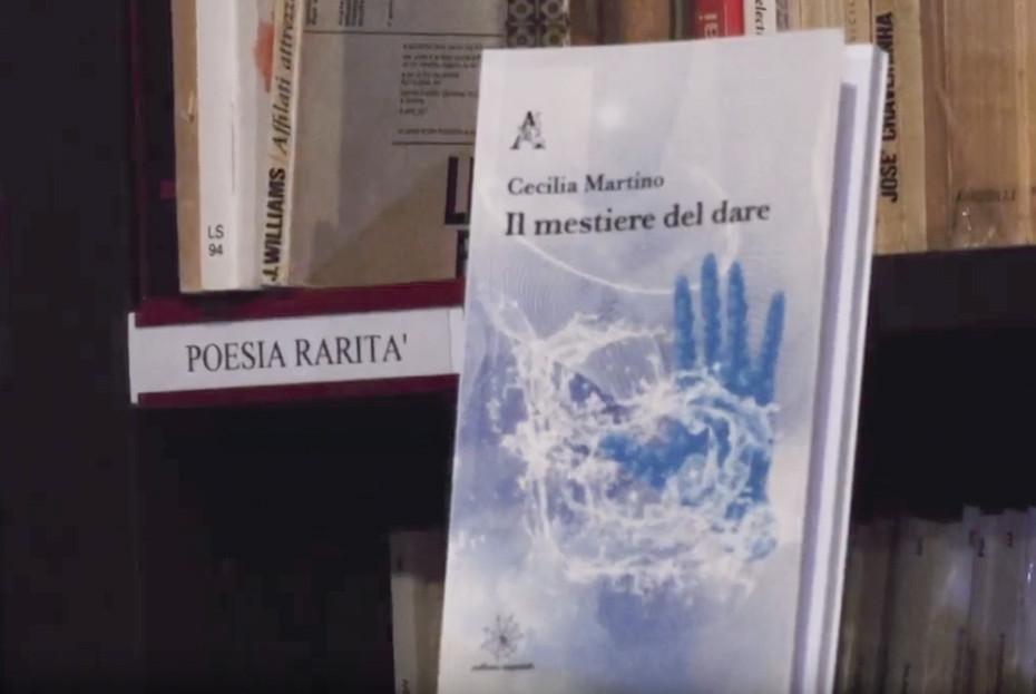 Il mestiere del dare libro poesie Cecilia Martino