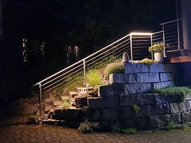 Treppengeländer mit Beleuchtung.jpg