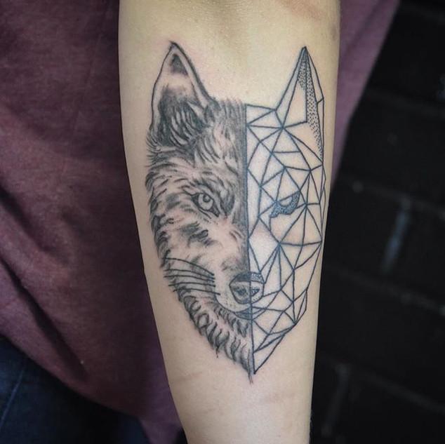 #wolf #wolftattoo #geometric #geometricw