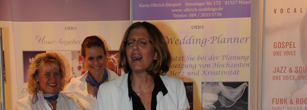 Bianca Harrison singt auf Hochzeitsmesse