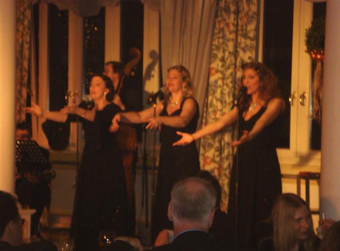 Croonettes Performance