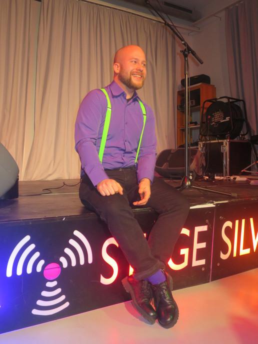 Witzigsein auf der Bühne.JPG