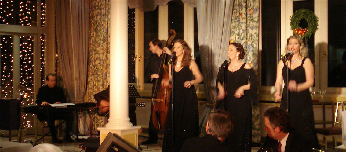Croonettes Bühne