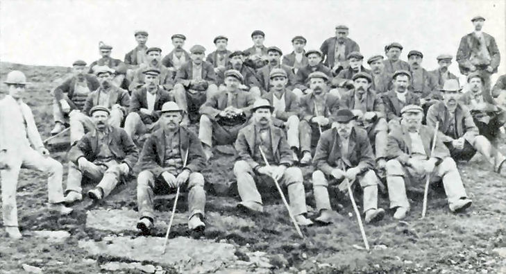 Glogfawr, miners, c1910.jpg
