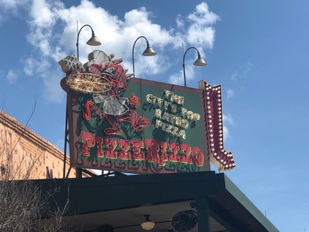 Why PizzeRizzo is the Best Quick Service Restaurant in Hollywood Studios