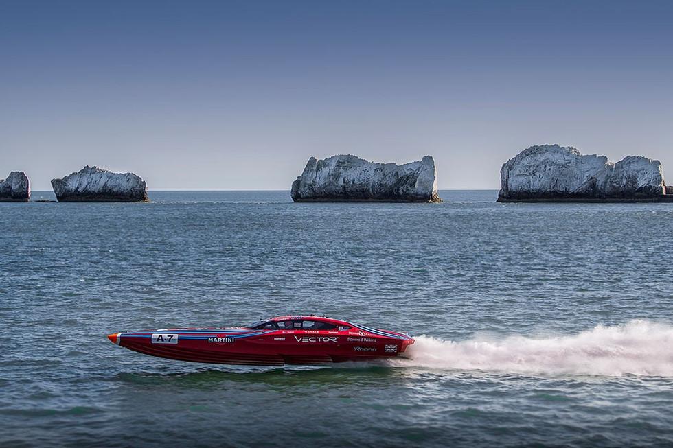 VectorMartiniracingpowerboats.jpg