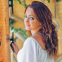 Claudia Magro 3.jpg